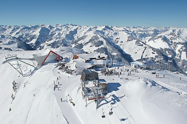 kam 000090_top-view-of-the-ski-region-of-superlatives_fotograf-simon-oberleitner